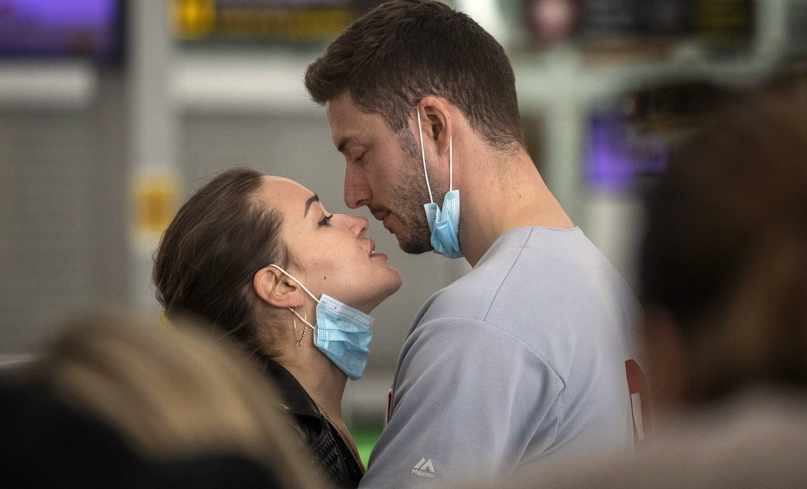 Doctor Couple's Photograph In The Epidemic Of Corona